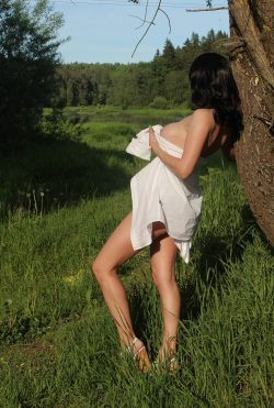 Женщина, плотного телосложения, замужем, ищу мужчину для нечастых встреч,